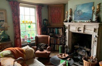 Cottage interior (photo courtesy of David Richmond FRSA RIBA)